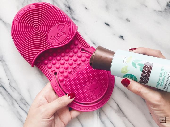 ecotools-brush-shampoo-sigma.JPG