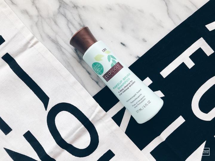 ecotools-brush-shampoo.JPG